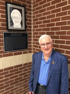 Marshall Junior High School fine arts center to be named for Pi Kappa Phi alumnus